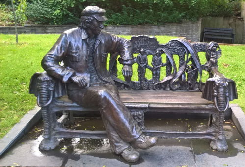 Conversation with Spike, John Somerville, Stephens Gardens, Finchley