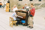 04 - Buskers with a piano!