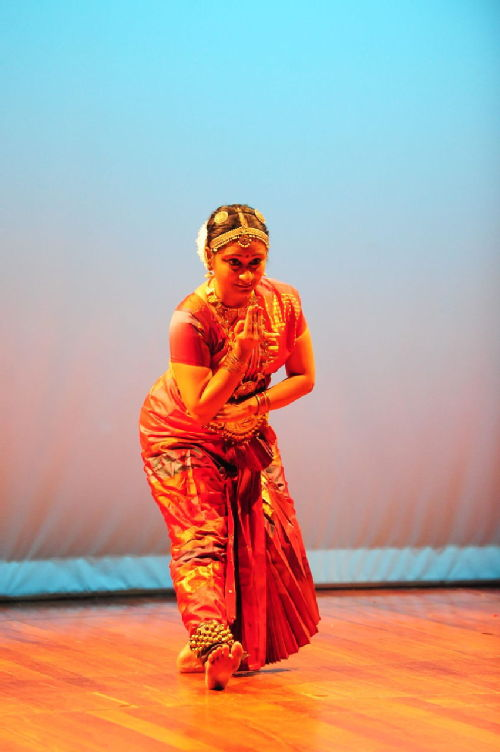 Swaroopa unni performing Bharatnatyam