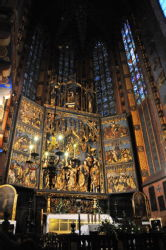 St Mary Church: Altar by Veit Stosz