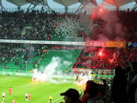 Widzew Lodz fans in action