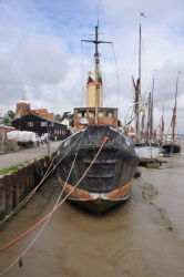 Thames sailing barges & steamboat