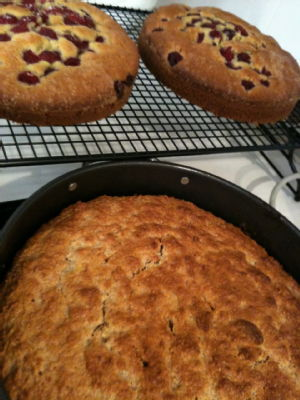 buttermilk and raspberry cake and banana cake