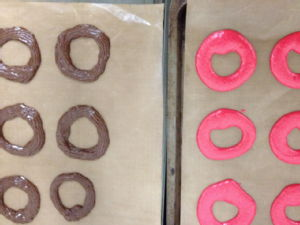 pink and chocolate piped rings