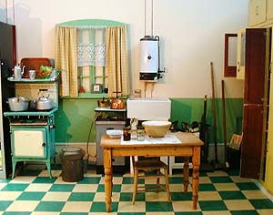 Mid 1930s kitchen