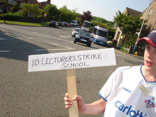 Lecturers Strike School