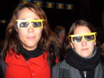 Julia +Tamara in (v. attractive) 3D glasses