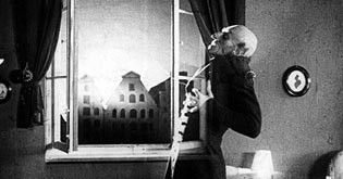 Nosferatu: The Vampyr is killed by the light