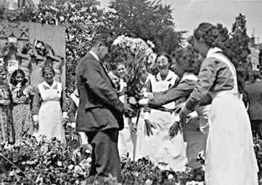 Dutch Resistance Carnation Day June 1940