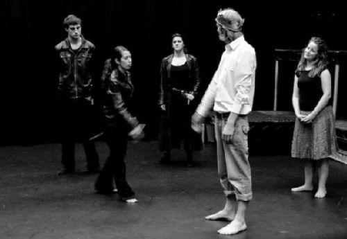 Sam Sedgman (Warwick), Genevieve Raghu (Mortimer the Elder), Luisa Dorileo (Lancaster), Matthew Goad (Edward) and Anna Henderson (Isabella)