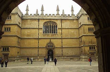 The quad of the Bodleian Library