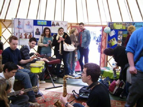 Warwick Students in the Yurt