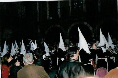Leon procession 1