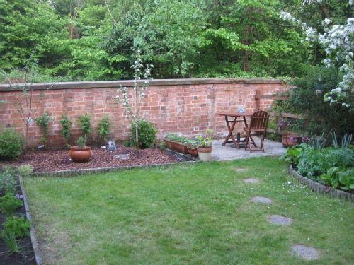 Garden right 2