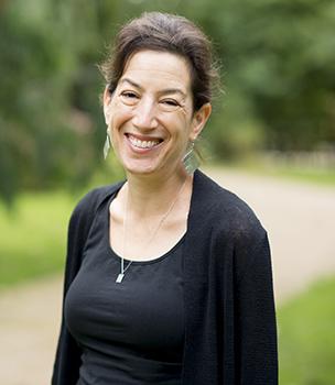 Rebecca Earle